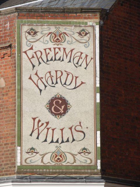 Freeman,_Hardy_and_Willis_Sign,_Hitchin_-_geograph.org.uk_-_561815